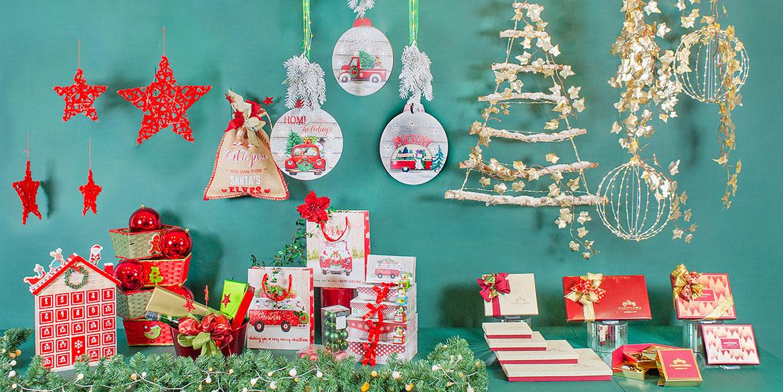 3-elementos-para-decoracion-de-escaparates-para-navidad-pasteleria-papa-noel-rojo-invierno.jpg