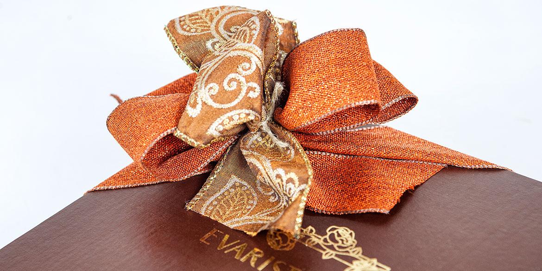 4-cintas-y-lazos-a-medida-para-decoracion-de-packaging-cajas-bombones-pasteleria-navidad.jpg