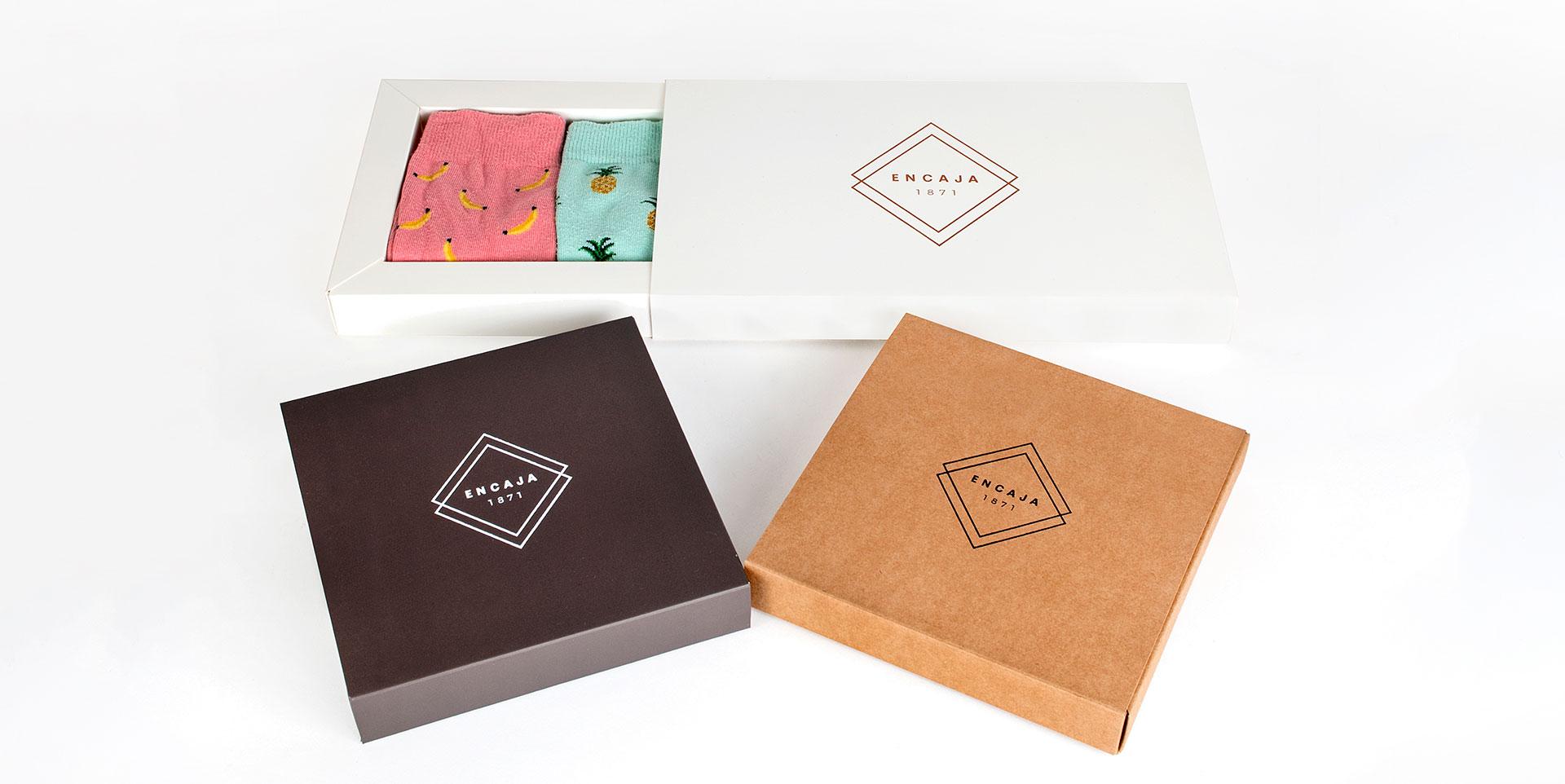 encaja-cajas-a-medida-forradas-pequena-cantidades-packaging-360-3.jpg