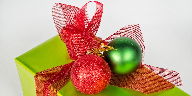 fabricante-de-cintas-para-decoracion-de-regalos-navidad.jpg